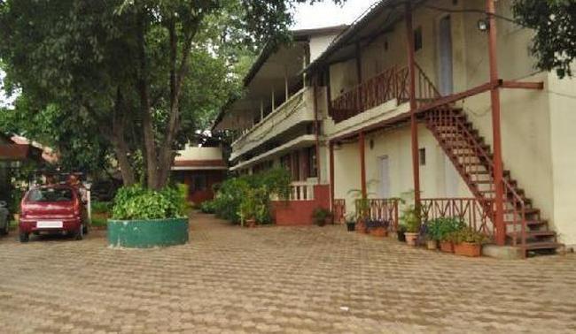 Raj Kiran Hotel