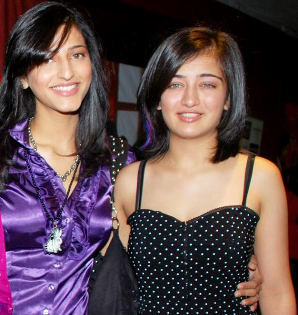 Shruti Hassan and Akshara hassan