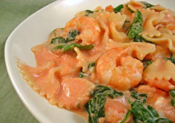 Pink sauce pasta