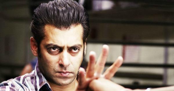 Salman Khan Mugged At A Mumbai Nightclub By Four Girls
