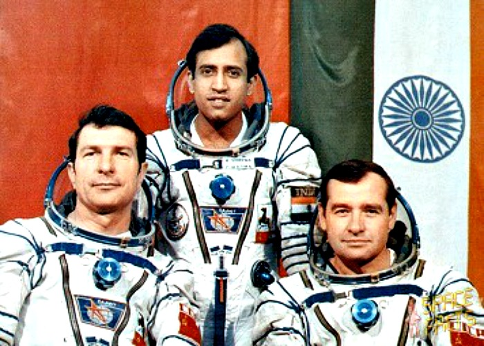 photos of rakesh sharma in space shuttle - photo #4