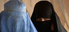 ISIS Fighters Wear Burqa, Try To Escape Syria As Women + 5 Other Must Read Stories From Sunday
