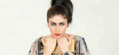 Controversial Pakistani Model Qandeel Baloch Shot Dead By Brother In Apparent Honour Killing