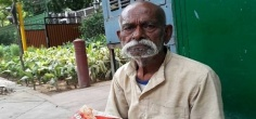 This 86-YO War Hero Has To Make Rounds At Minister Homes For His Ration Card And Pension