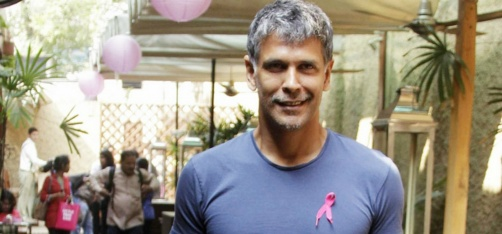 Milind Soman Introduces The Concept Of 'Running Sari' For Women So That They Can Run Marathons!