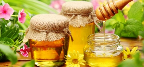 From A Natural Sweetener To An Antiseptic, Honey Is The Miracle Medicine We Don't Know About