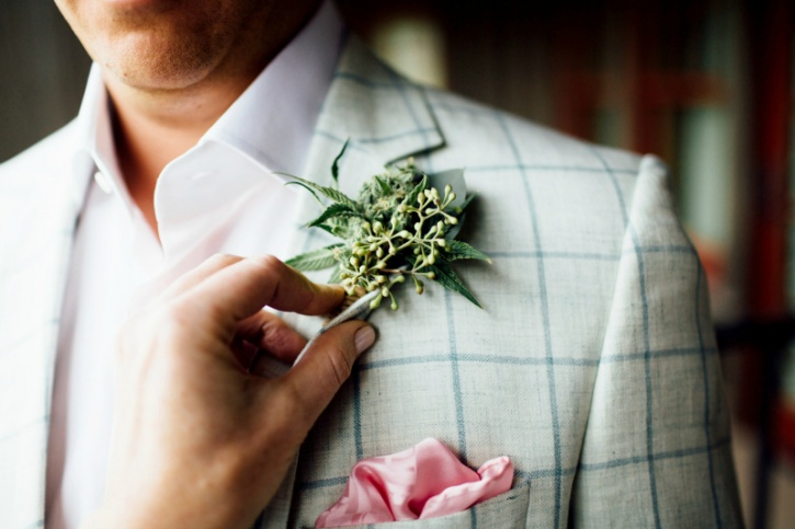 Wedding planners Bec Koop who run a cannbis-friendly setup out of Colorado, called Irie Wedding & Events and is one of the founding members of the Cannabis Wedding Expo offer a variety of services. These include: day-of coordination, overall planning, floral arrangements, and cannabis open bars, according to Bloomberg.