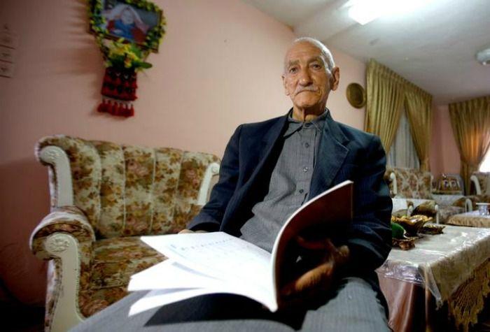 Rezultat slika za old palestinian man studying