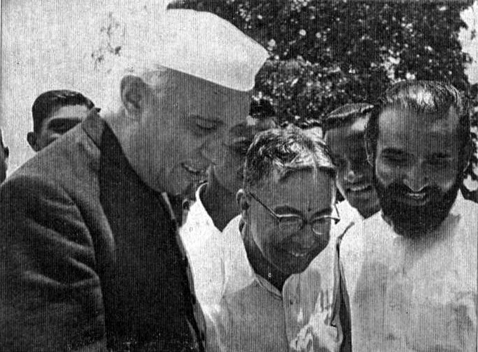 about jawahar lal nehru in hindi जवाहरलाल नेहरु पंडित जवाहरलाल नेहरु भारत का प्रधानमन्त्री थे.