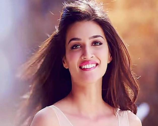 Kriti Sanon Hd Images And Wallpapers And Unknown Facts: Papneyn's Album