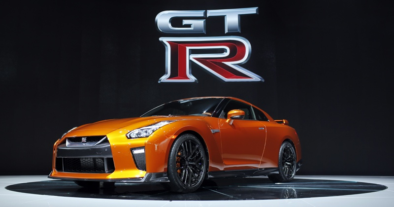 one of the fastest cars in the world in now on sale in india nissan gt r. Black Bedroom Furniture Sets. Home Design Ideas