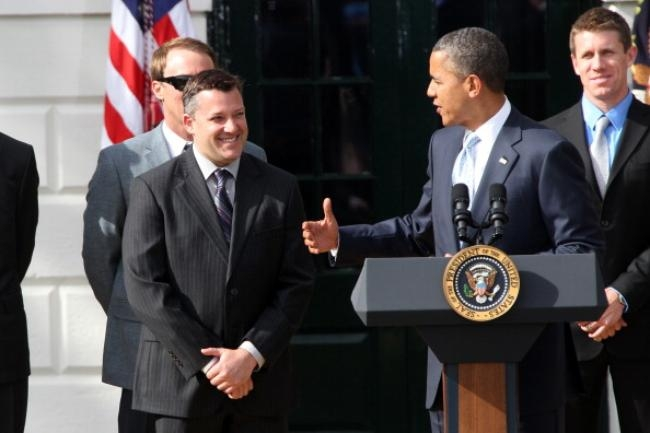 Obama welcomes Tony Stewart and other NASCAR drivers to the White House.