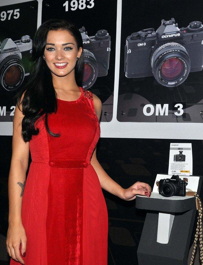 Amy Jackson unveils Olympus Camera