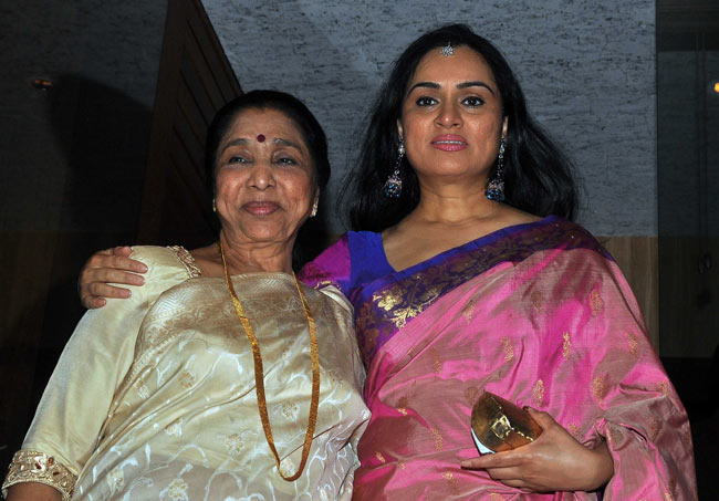 Asha Bhonsle & Padmini Kolhapure