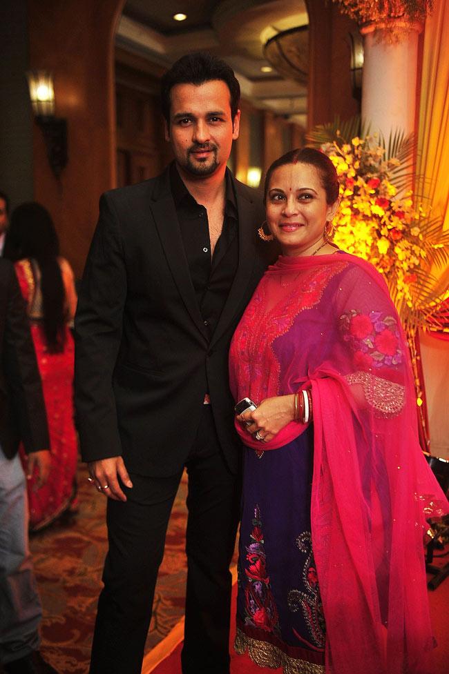 Rohit Roy with wife Mansi Joshi