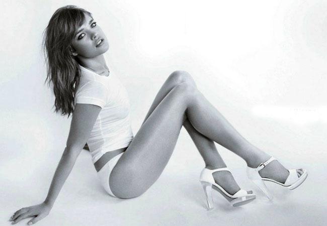 Supermodel Natalia Vodianova strips off for Weitzman campaign
