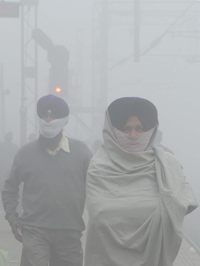 INDIA-WEATHER-FOG