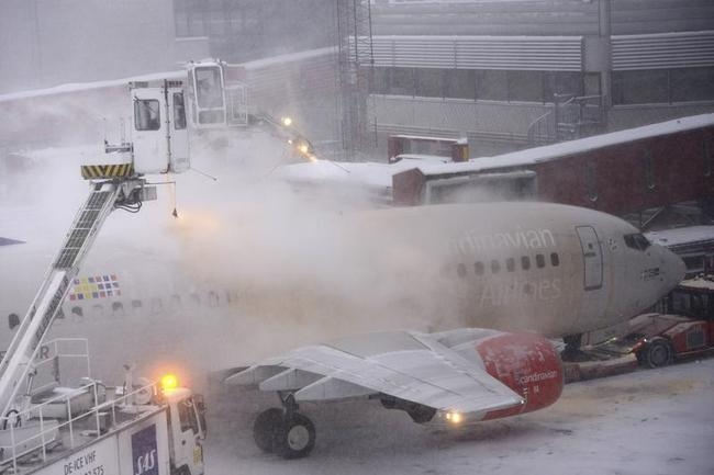 Snow storm strikes Sweden