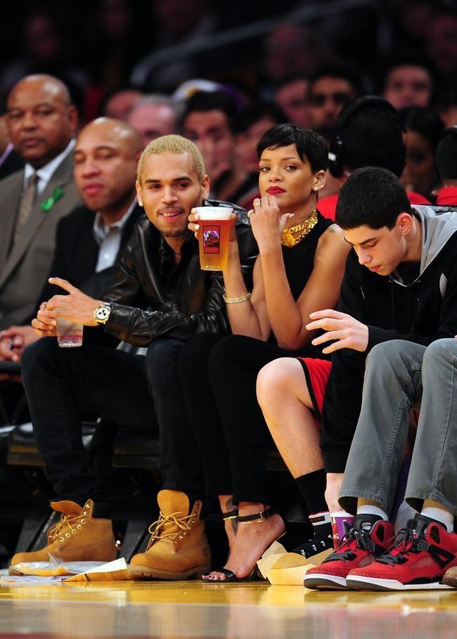 Rihanna-Chris Brown Get Cosy @ NBA