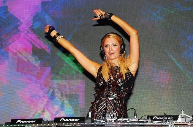 Paris Hilton Rocks Goa!