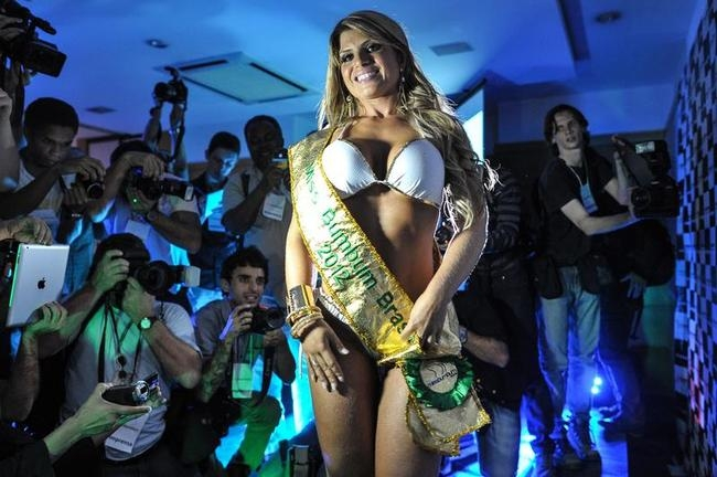 Carine Felizardo wins Miss Bumbum pageant