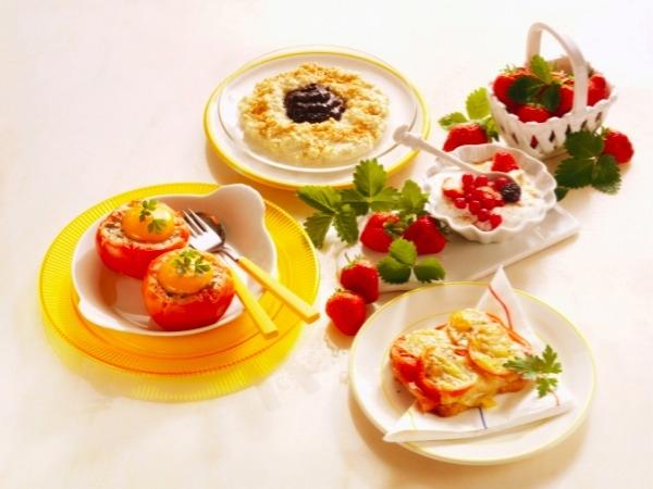 Breakfast, lunch or dinner