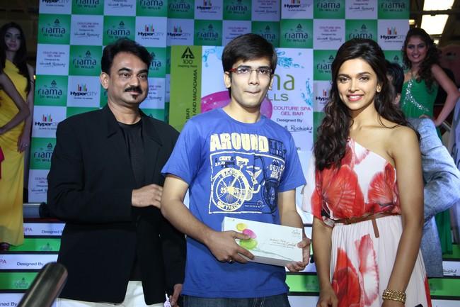 Deepika Padukone with her fans