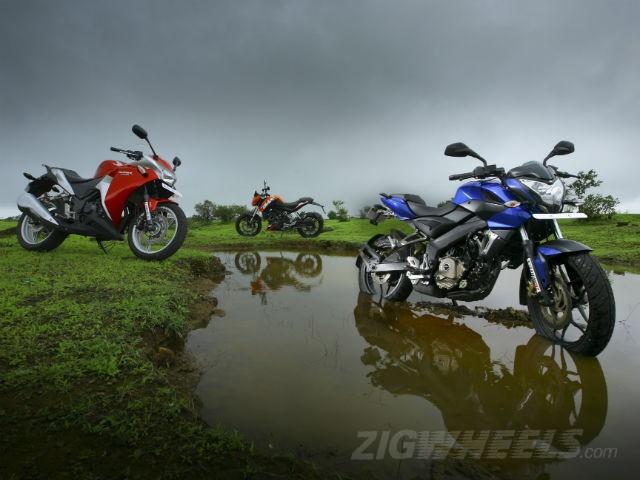 Honda CBR 250R,KTM 200 Duke Bajaj Pulsar 200NS