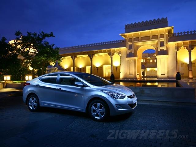 ZigWheels Best Car Photography of 2012 - Hyundai Elantra