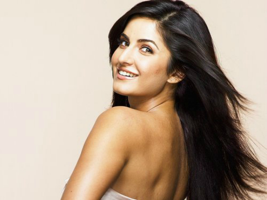 Katrina Kaif: Katrina Kaif beat all her contemporaries and became the most downloaded actress of 2012. She was seen in the popular item number, Chikni Chameli from Agneepath and also acted in two major films, Ek Tha Tiger and Jab Tak Hai Jaan.