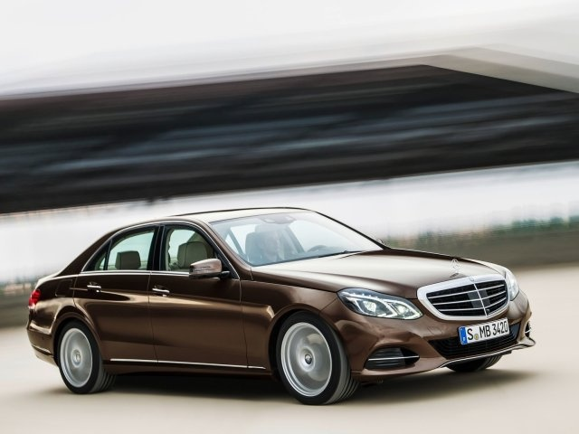 Gone are the quad headlamps and now the E-Class comes with a pair of more conventional set with LED daytime running lights as standard.
