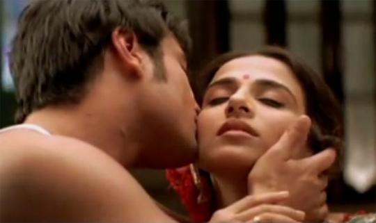 Saif and Vidya in Parineeta