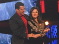 SALMAN KHAN AND RASHMI DESAI