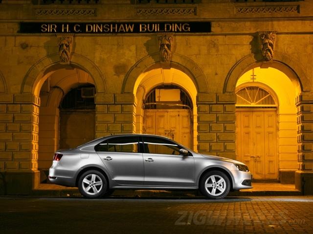 ZigWheels Best Car Photography of 2012 - Volkswagen Jetta TSI