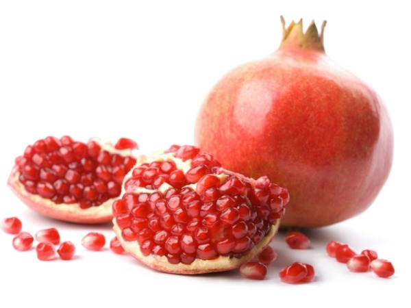 Pomegranate: They look like rubies and they are as precious as them. Pomegranate reduces arthritis, increases your immunity, and improves fertility. It is known for its antioxidant properties and is a best friend for heart patients. Beauty benefits: It