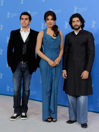 The stars of Don 2 made quite a splash at the Berlin film festival over the weekend. And the most interesting part of the festival had to be the presence of Shah Rukh Khan's wife Gauri and his jungli billi Priyanka Chopra at the same venue. NRI fans and bloggers went trigger happy and tracked Don's every move.