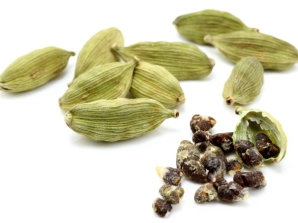 Health Benefit of Cardamom or eliachi milk: