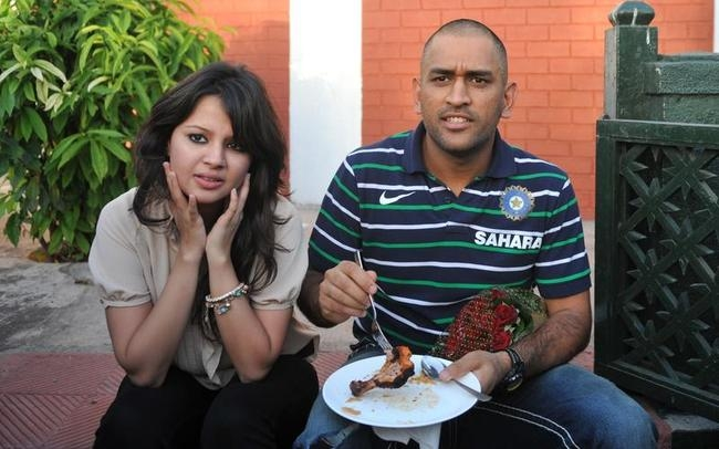 Mr & Mrs Dhoni