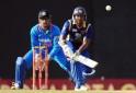 Sri Lankan cricketer Kumar Sangakkara (R
