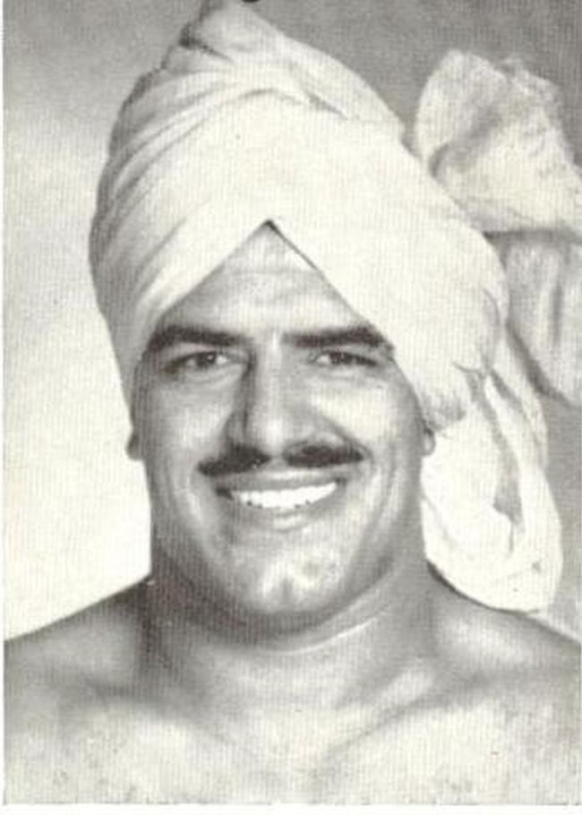 Standing tall with rippling muscles, wrestler-actor Dara Singh was a name to reckon with in the world of wrestling who ventured into an unusual territory - films.