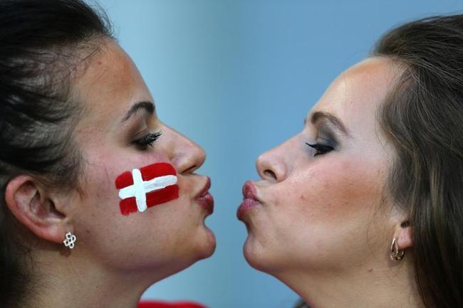 Sizzling babes @ Euro