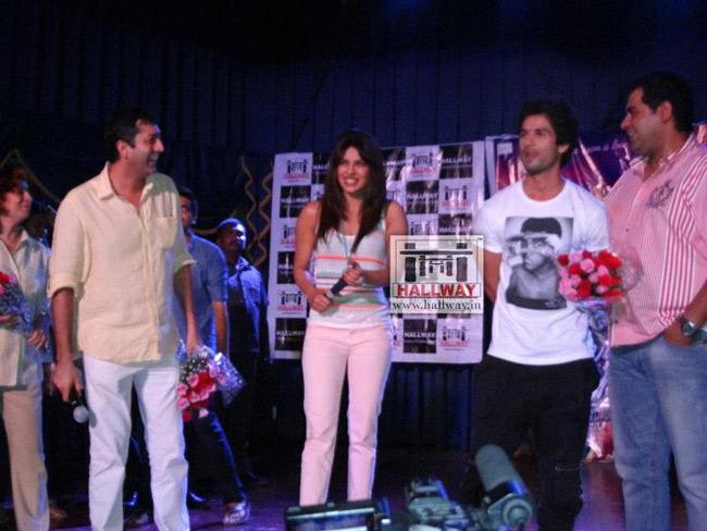 Priyanka, Shahid and director Kunal Kohli
