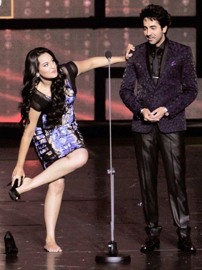 Ayushman Khurana and Sonakshi Sinha