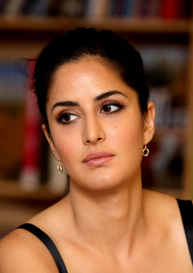 Katrina Kaif at the Raajneeti book-launch