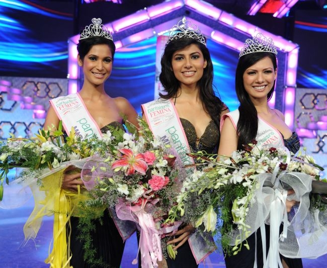 (L-R) Prachi Mishra, Miss India Earth 2012, Vanya Mishra, Miss India World 2012 and Rochelle Maria Rao, Miss India International 2012 are the winners of Pantaloons Femina Miss India 2012.