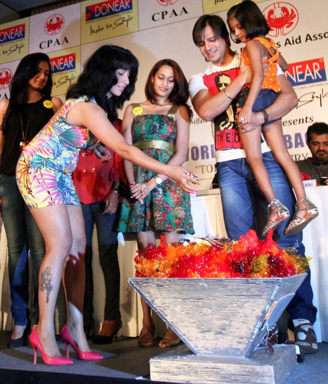 Neha Bhasin and Vivek Oberoi