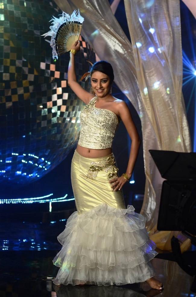 Pratyusha aka Anandi of Balika Vadhu will undergo a bold makeover