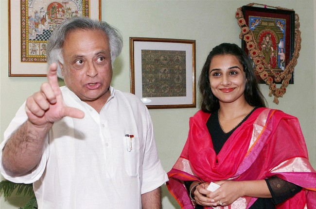 Vidya Balan with Rural Development Minister Jairam Ramesh.