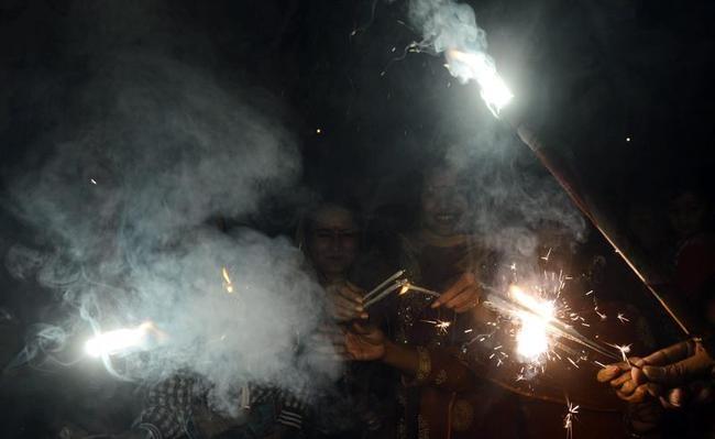 Diwali Lights Up India & Pakistan