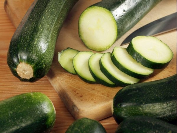 Thinly Sliced Marinated Zucchini